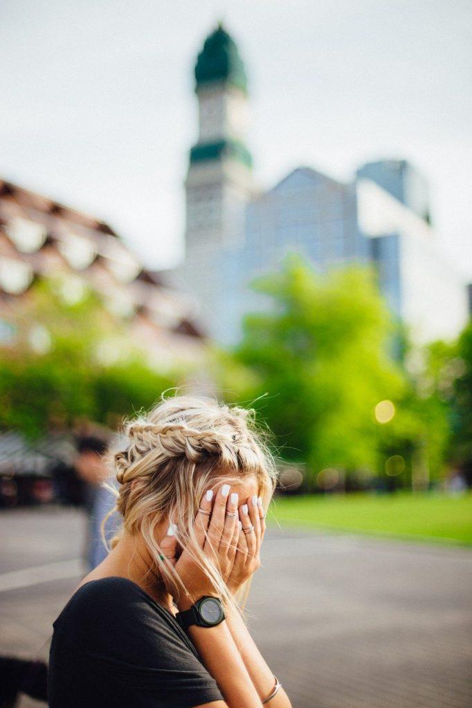 Le syndrome du cœur brisé, ça existe une forte proportion de femmes ménopausées qui venaient d'être victimes d'une émotion intense juste avant leur accident.